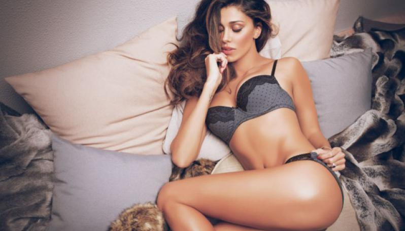 Confessioni hot per Belen Rodriguez: la showgirl si confida sui social