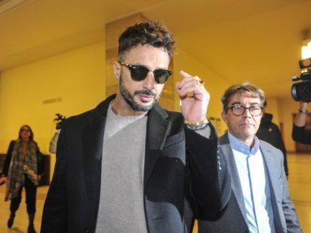 """Procura generale Milano: """"Fabrizio Corona torni in carcere, ha violato le regole"""""""