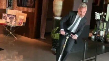 Gianluca Vacchi: oltre 2 milioni di like sul monopattino!