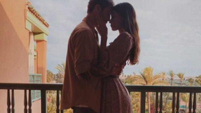 Belen Rodriguez e De Martino: è amore nel deserto del Marocco
